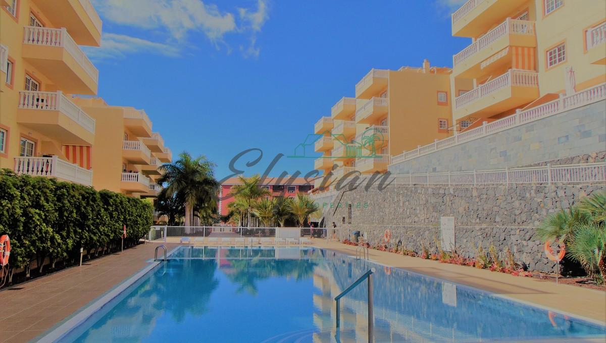 Apartamento de 2 dormitorios en Residencial Primavera, Palm-Mar, Arona