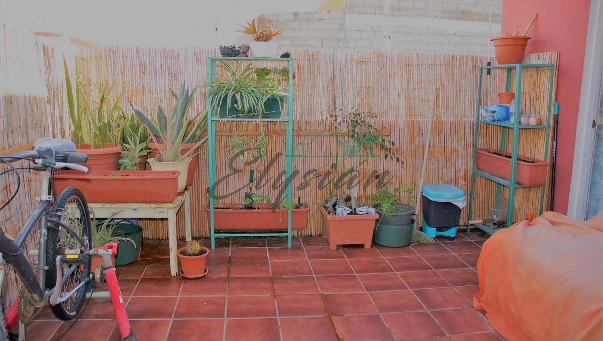 Atico de 1 dormitorio en Guargacho, Arona