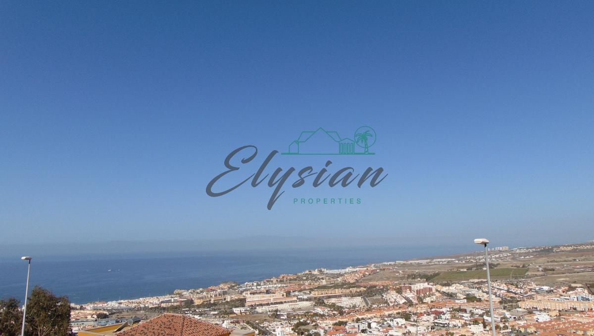 Estupendo apartamento de dos dormitorios en la urbanización Roque del Conde con vistas panorámicas al mar