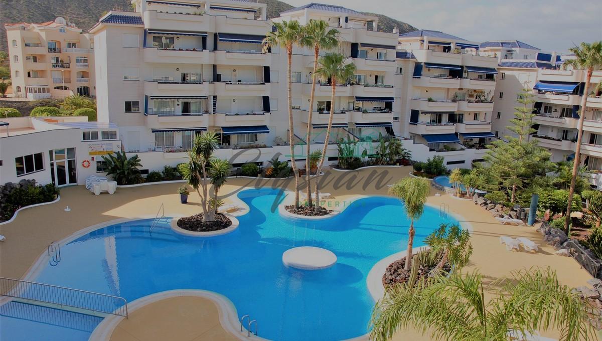 Apartamento de 2 dormitorios en Complejo Playa la Graciosa,Los Cristianos.