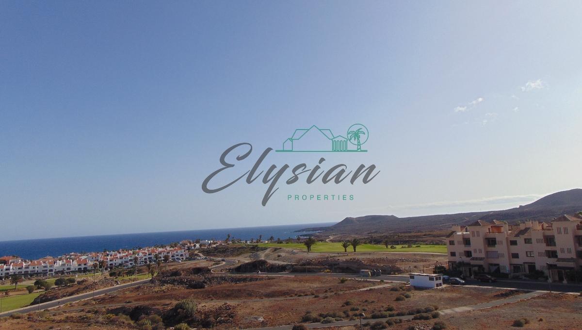 Se vende espectacular villa en Amarilla Golf con vistas panorámicas al océano Atlántico y campos de Golf.