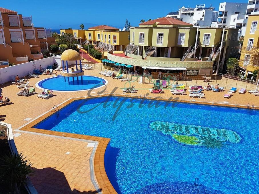 Apartamento con vistas al mar situado en el Complejo Residencial Orlando en zona de Costa Adeje.